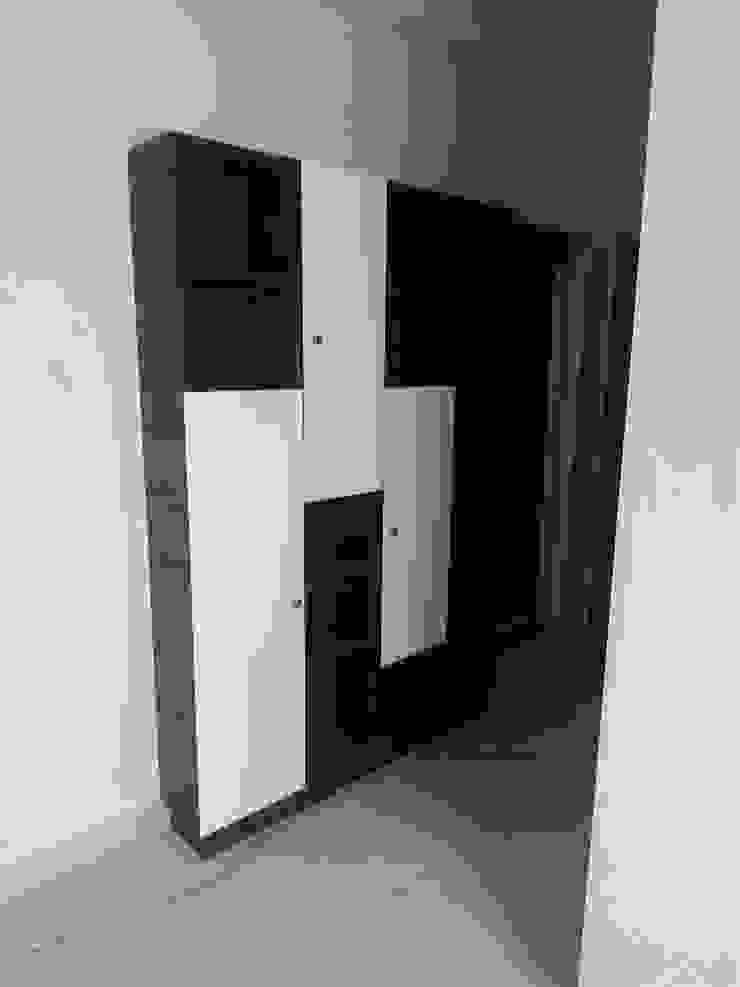 Book shelf: minimalist  by BYOD Dezigns,Minimalist Plywood