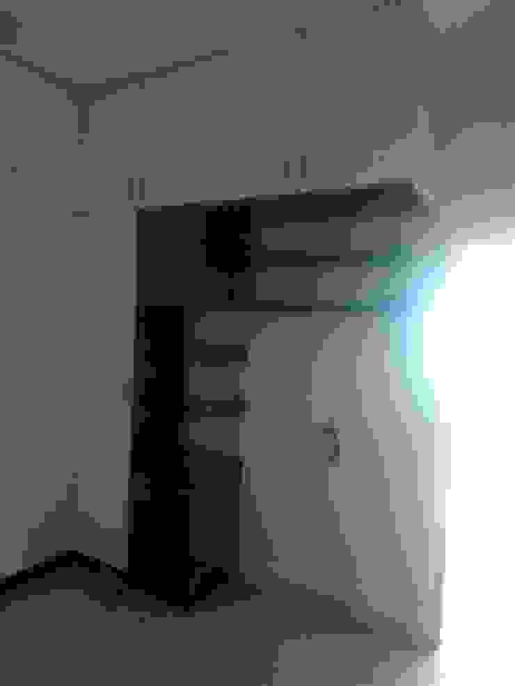 book shelf and wardrobe: minimalist  by BYOD Dezigns,Minimalist Plywood