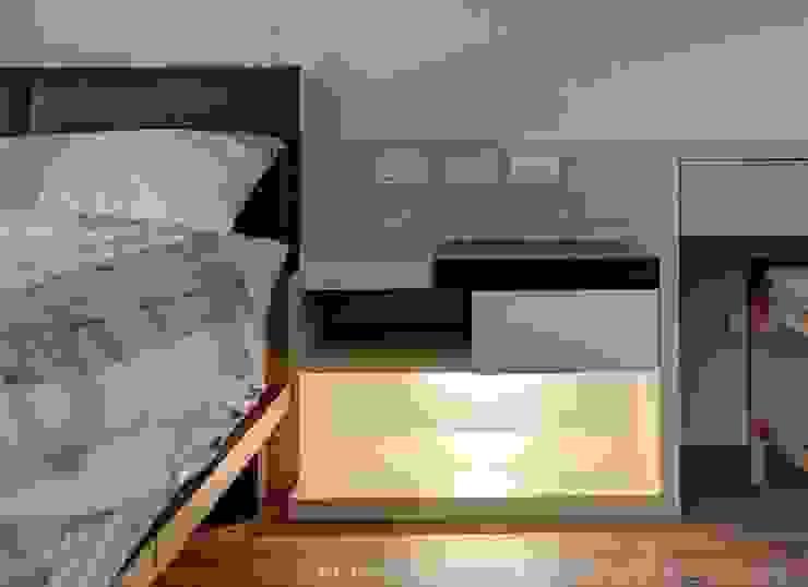 床邊櫃 根據 Hi+Design/Interior.Architecture. 寰邑空間設計 現代風