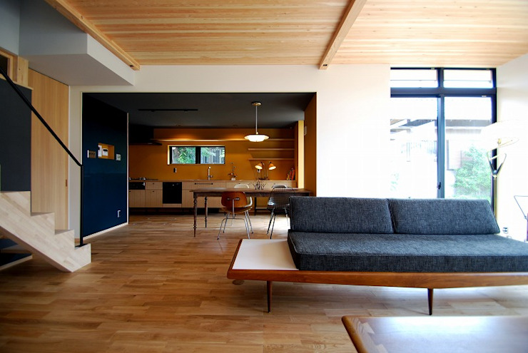 s邸 - トリコム - モダンデザインの リビング の Ju Design 建築設計室 モダン