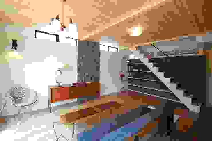 s邸 - トリコム - モダンスタイルの 玄関&廊下&階段 の Ju Design 建築設計室 モダン