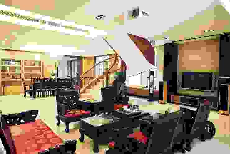 古典氣派 by 禾御建築室內設計有限公司 Asian