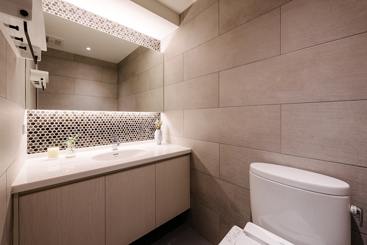 Salle de bain originale par 隹設計 ZHUI Design Studio Éclectique