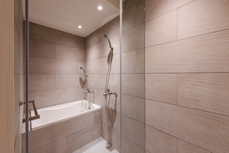 Eclectic style bathrooms by 隹設計 ZHUI Design Studio Eclectic