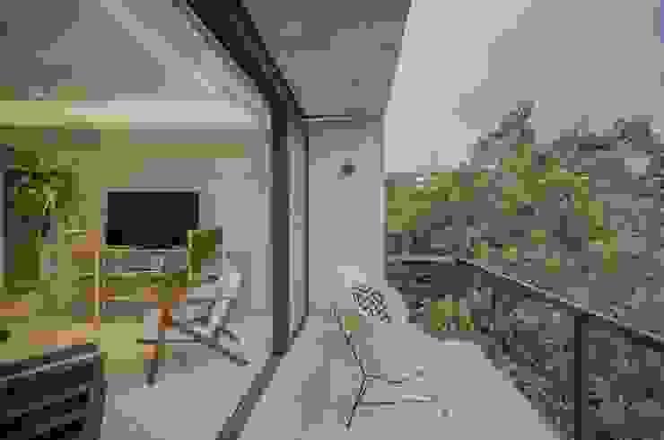 Clorofilia Balcones y terrazas de estilo tropical