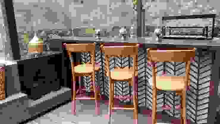 bar Balcones y terrazas de estilo ecléctico de Ecologik Ecléctico