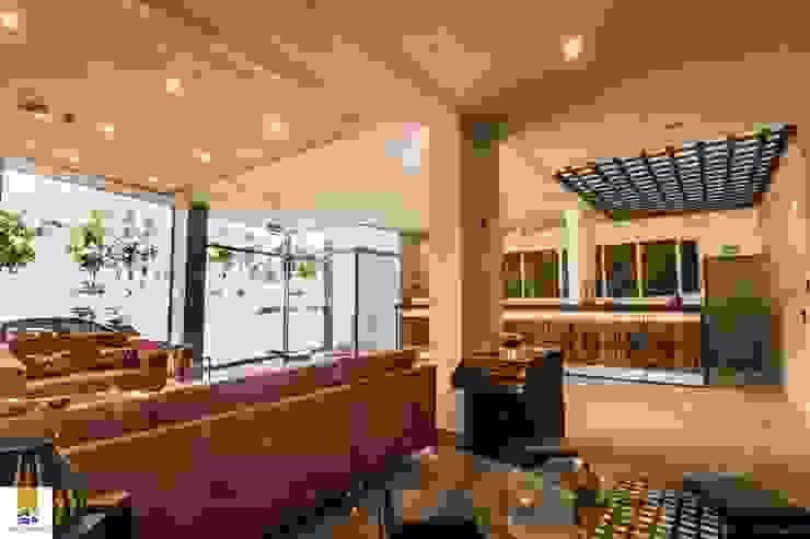 by FRANCO CACERES / Arquitectos & Asociados Modern