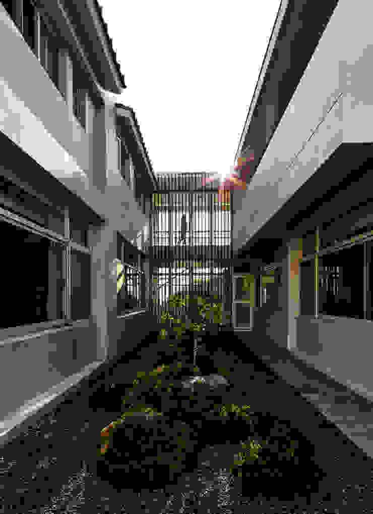 Glocal Architecture Office (G.A.O) 吳宗憲建築師事務所/安藤國際室內裝修工程有限公司 모던스타일 정원