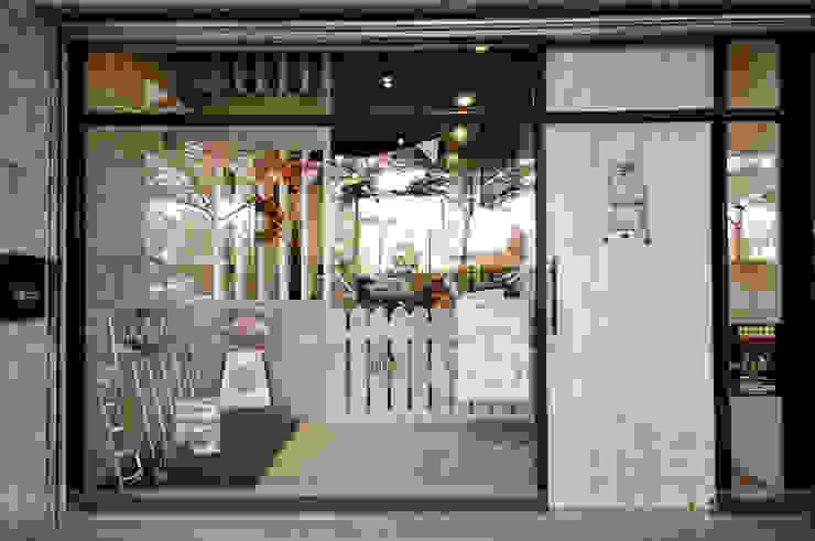毛小孩旅館 根據 寬森空間設計 鄉村風 木頭 Wood effect