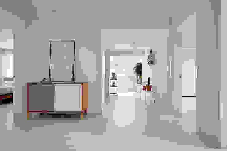 연남동 집 복층 빌라 인테리어 모던스타일 거실 by 노르딕앤 모던