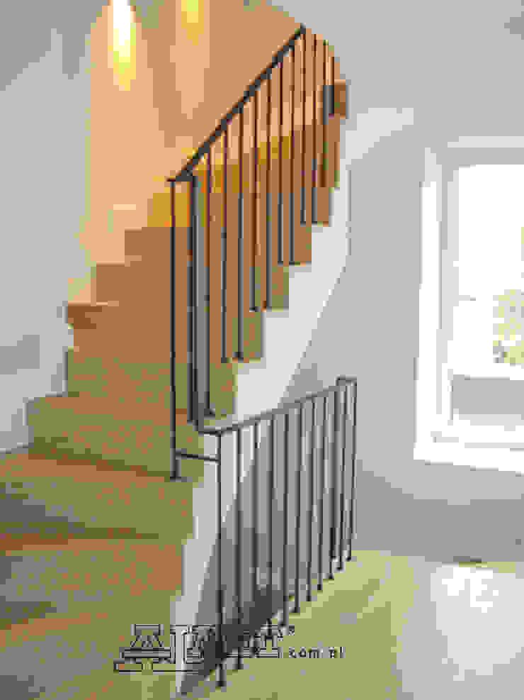 ALMET Kowalstwo Artystyczne Corridor, hallway & stairsStairs