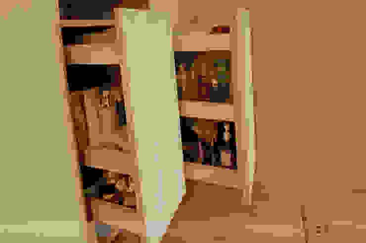 Phòng thay đồ phong cách Bắc Âu bởi 寬森空間設計 Bắc Âu