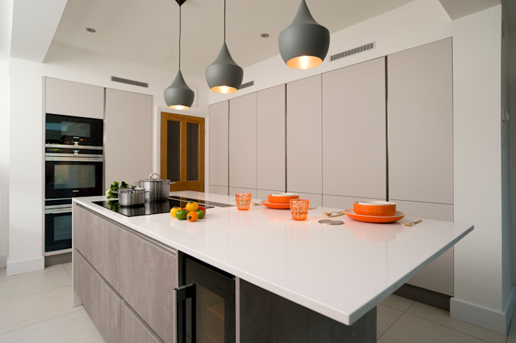 Urban Theme Concrete & Taupe Handleless Kitchen Modern Kitchen by Urban Myth Modern