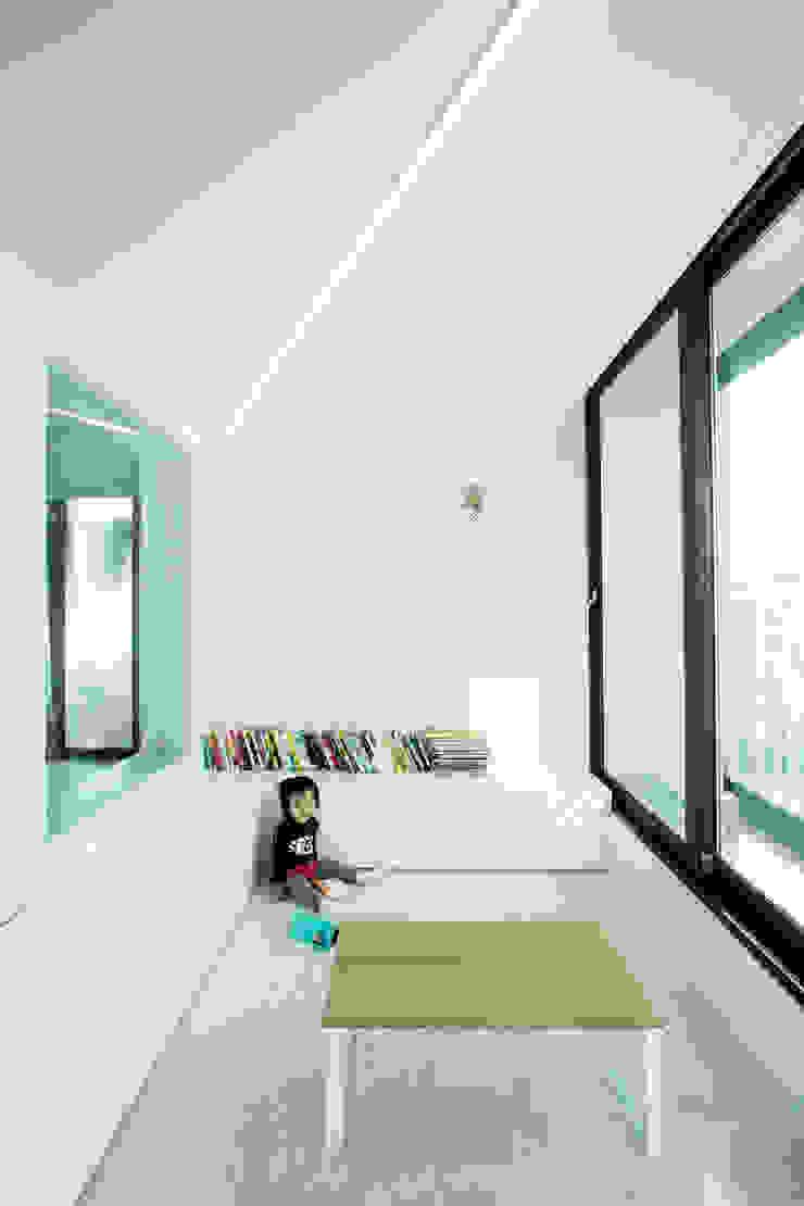 동탄 아파트 인테리어 프로젝트 모던스타일 거실 by 건축사사무소 사무소아홉칸 모던