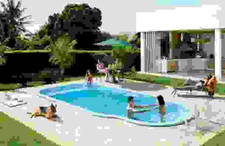 piscina fibra de vidrio de IGUI FIBRAPISCINAS Moderno Compuestos de madera y plástico