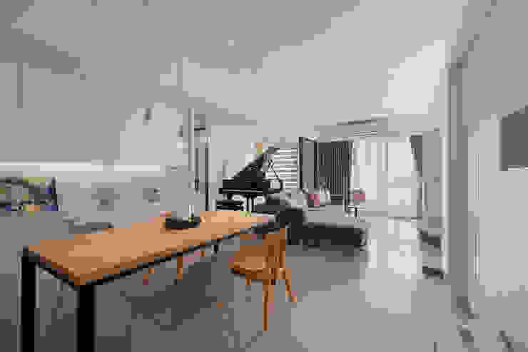 Living room by 趙玲室內設計, Modern