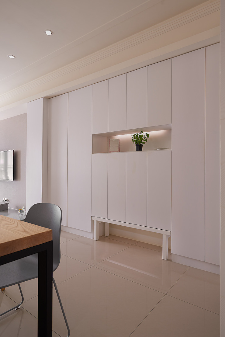 穿鞋椅設計(闔) 現代風玄關、走廊與階梯 根據 趙玲室內設計 現代風