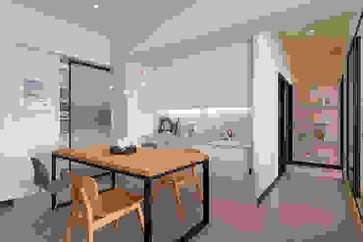 餐廳與過道 根據 趙玲室內設計 現代風
