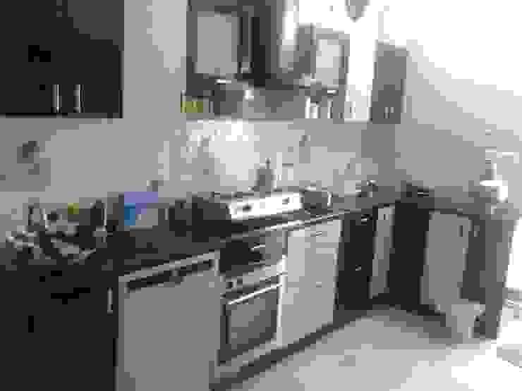 Modular Kitchens in Hyderabad Modern kitchen by EightStreaks Interiors Modern Plywood