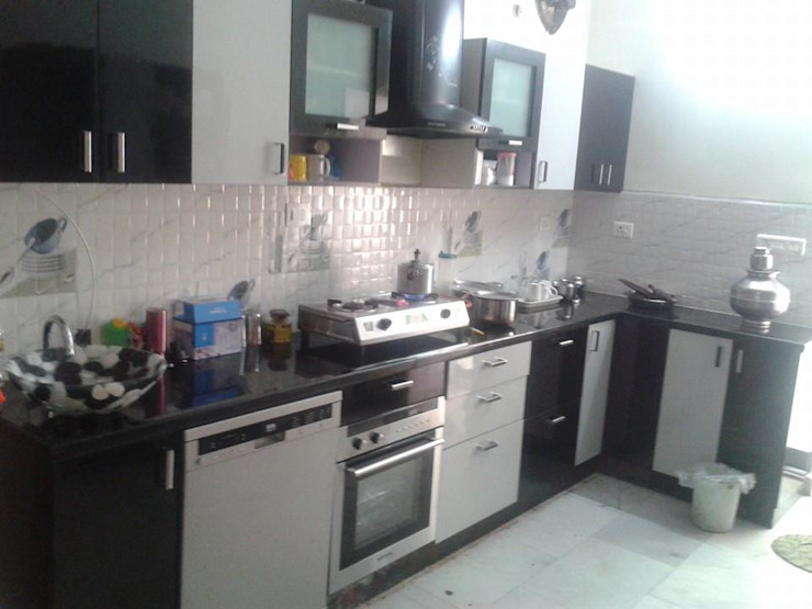 Modular Kitchen at 8Streaks Interiors Modern kitchen by Eight Streaks Interiors Modern Plywood