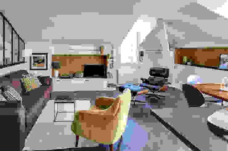 SOUS LES TOITS, BORDEAUX Salon moderne par Audrey Boey Moderne
