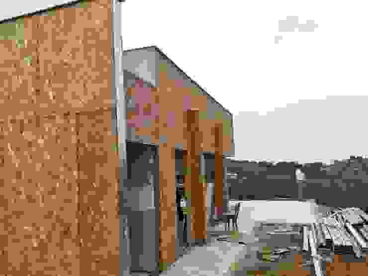 Moderne huizen van Muros y Casas S.A.S Modern OSB