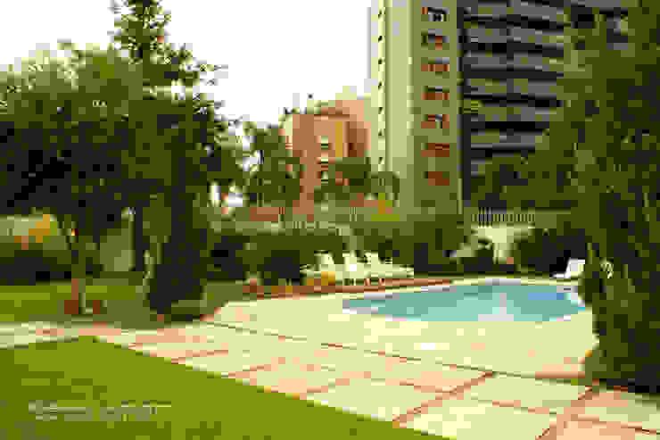 Casas de estilo clásico de Fabiana Mazzotti Arquitetura e Interiores Clásico