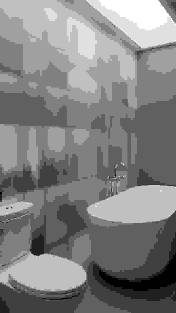 House toward Sky 鍾宅 現代浴室設計點子、靈感&圖片 根據 構築設計 現代風