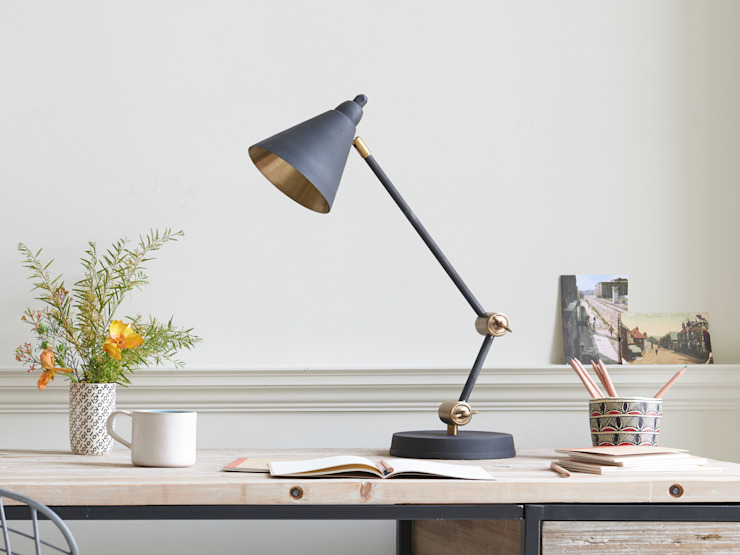 Little Jackpot desk lamp di Loaf Moderno