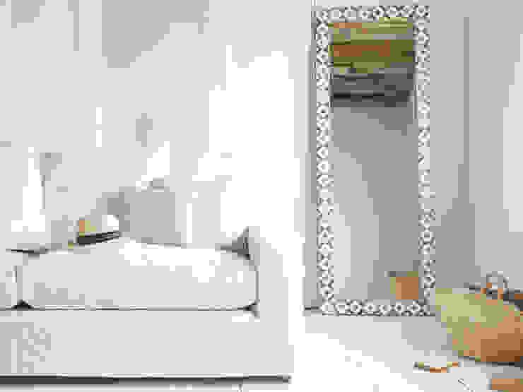 Zebedee mirror de Loaf Moderno