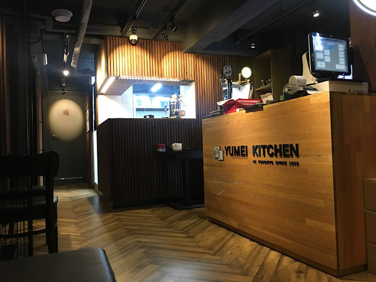 운양 이층집 Restaurant 인테리어 by LUJEN COMPANY 루젠컴퍼니 모던