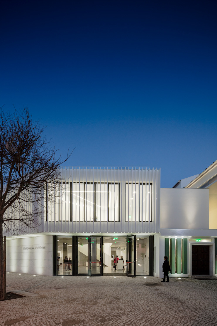 Maisons minimalistes par Plano Humano Arquitectos Minimaliste Fer / Acier