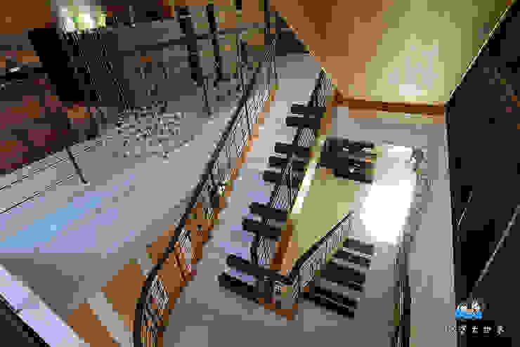 琴鍵樓梯: 現代  by 植建築 鉅凱建築師事務所/原果室內創研設計, 現代風
