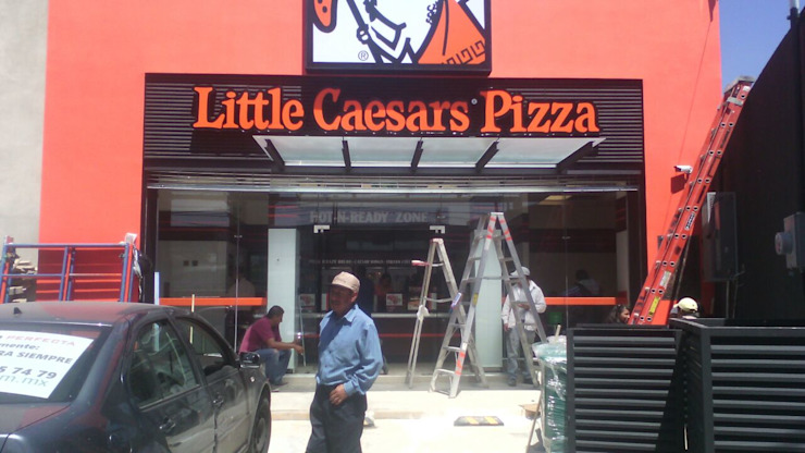 Fachadas Litlle Caesar´s Pizza LTC ALFIN EN MÉXICO Gastronomía de estilo moderno