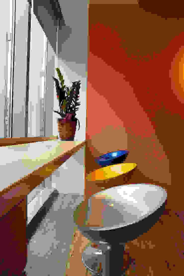 員工休憩區 根據 Hi+Design/Interior.Architecture. 寰邑空間設計 現代風
