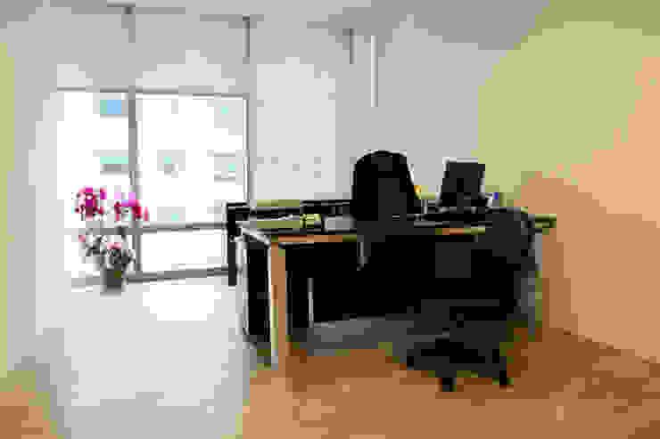 總經理辦公室 根據 Hi+Design/Interior.Architecture. 寰邑空間設計 現代風