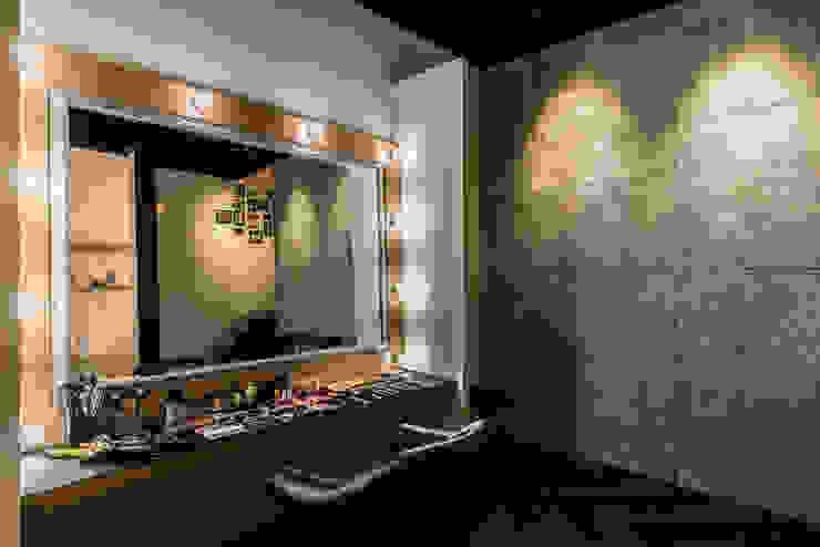 Crystal Makeup Studio 根據 簡致制作SimpleUtmost Design