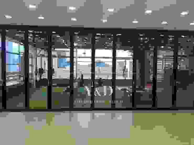 GX룸에서 메인룸 전경 모던스타일 피트니스 룸 by 와이앤디자인 모던