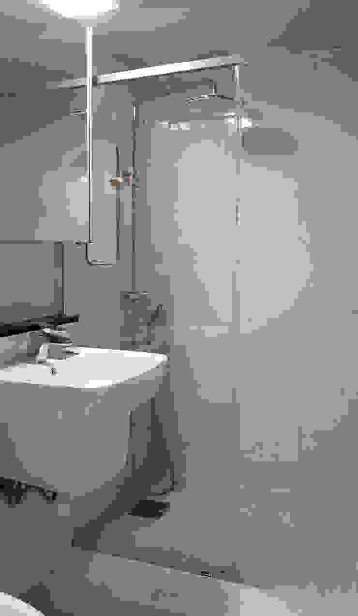 시흥 대야동 아파트24평형 인테리어 모던스타일 욕실 by 디자인모리 모던