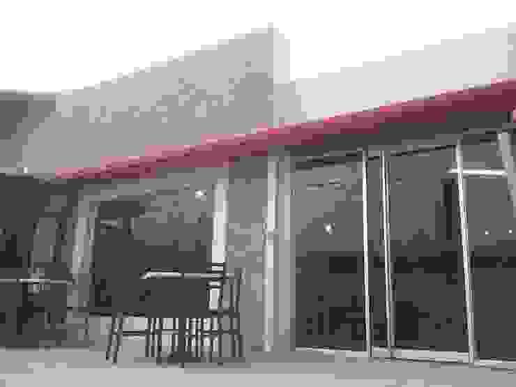 Ventanas y Puertas de Vidrio de Arq. Alberto Quero Moderno Vidrio