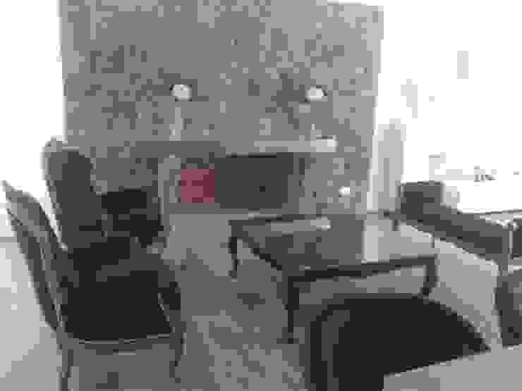 Muebles con acabado en laca negra brillante y tela de pana negra chimenea revestida en piedra y estante de acero de Flag equipamientos Moderno Madera Acabado en madera