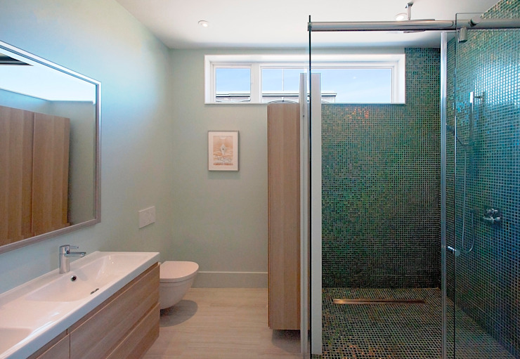 Elgin Loft Modern bathroom by Solares Architecture Modern