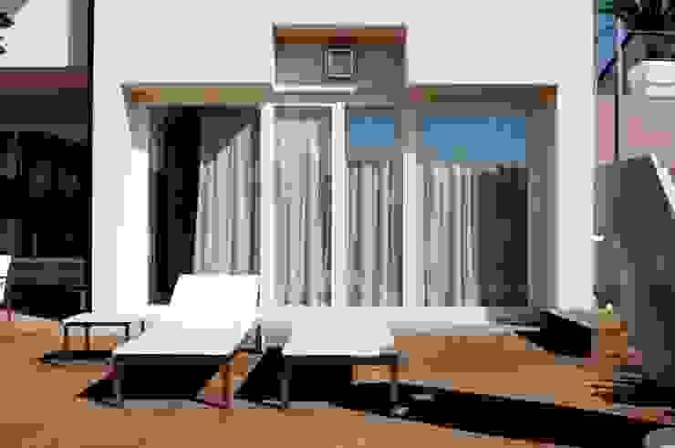 Particolare finestra PROGETTAZIONI CIVILI Case moderne