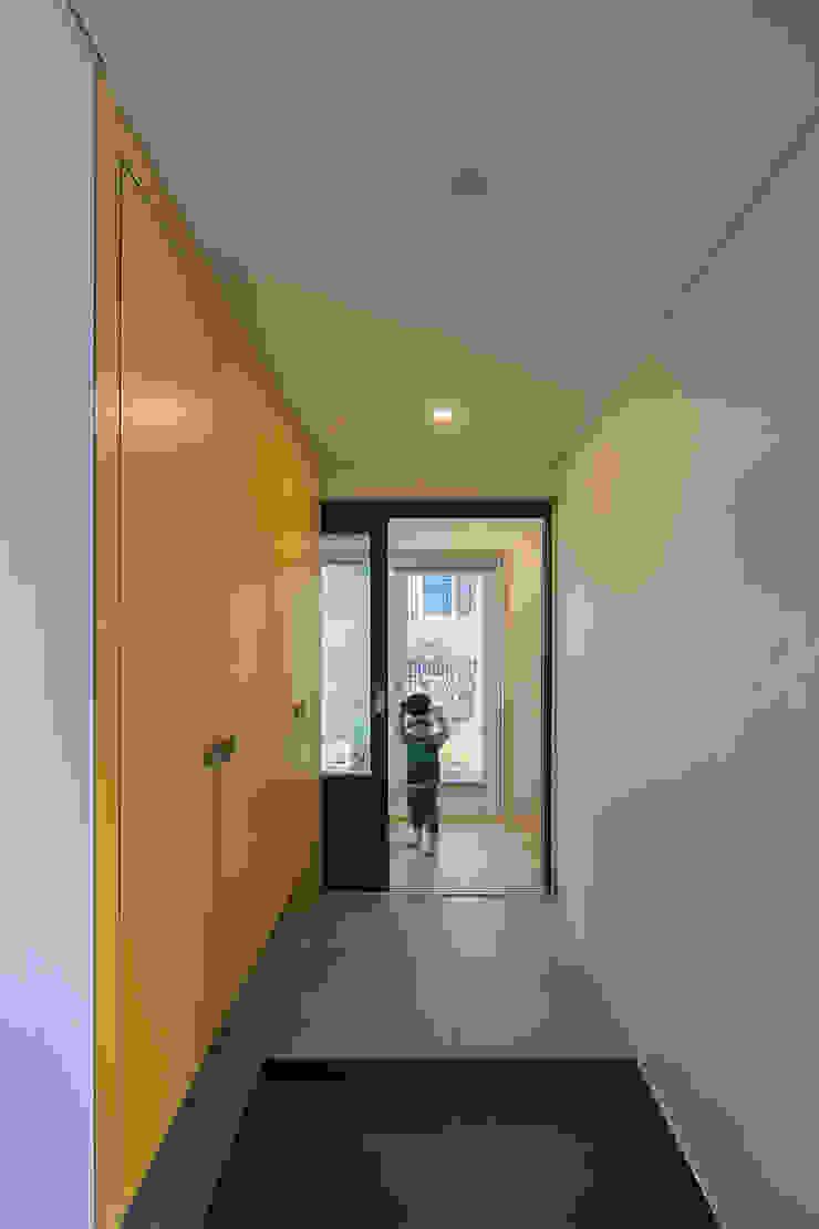 온정당 모던스타일 벽지 & 바닥 by 소하 건축사사무소 SoHAA 모던