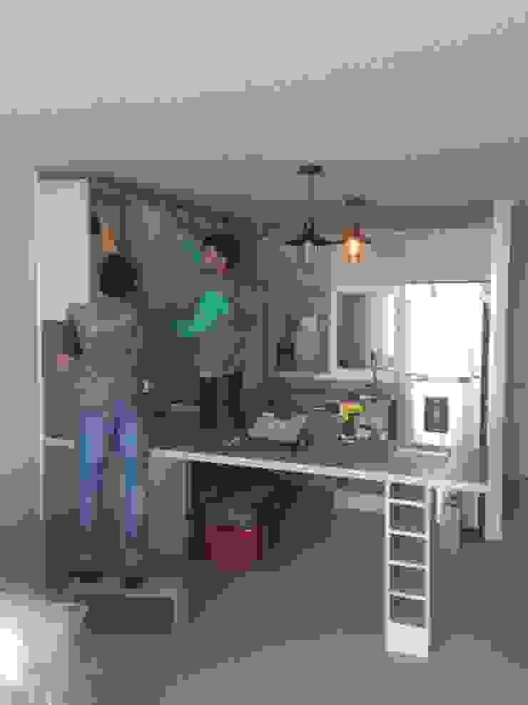 Remodelación de cocina de N.Muebles Diseños Limitada