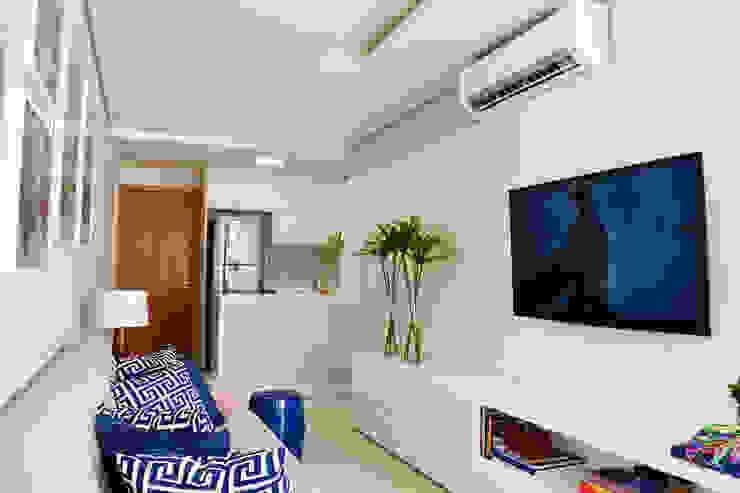 Salas de estilo moderno de Studio MAR Arquitetura e Urbanismo Moderno Tablero DM