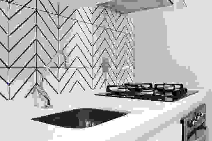 Cozinha Studio MAR Arquitetura e Urbanismo Cozinhas modernas Cerâmica Azul