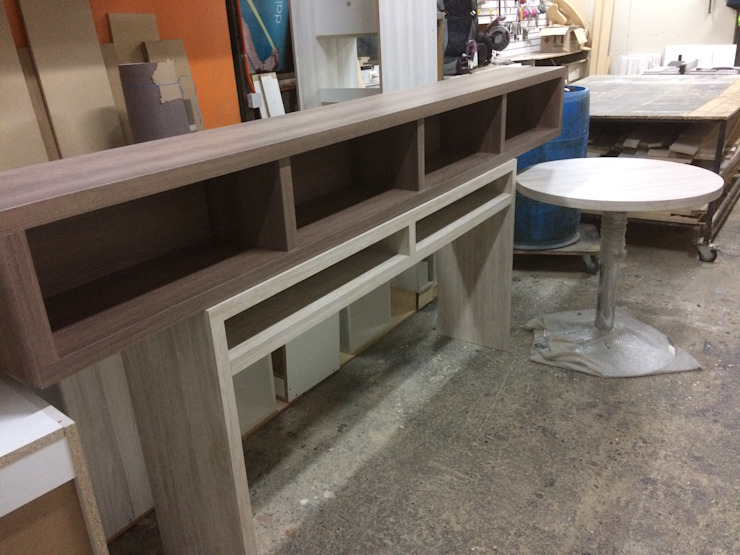 Fabricación mesa, librero y arrimo de N.Muebles Diseños Limitada Moderno Aglomerado