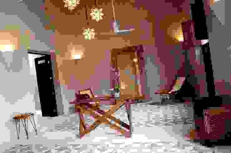 Sala Livings de estilo ecléctico de Quinto Distrito Arquitectura Ecléctico Azulejos
