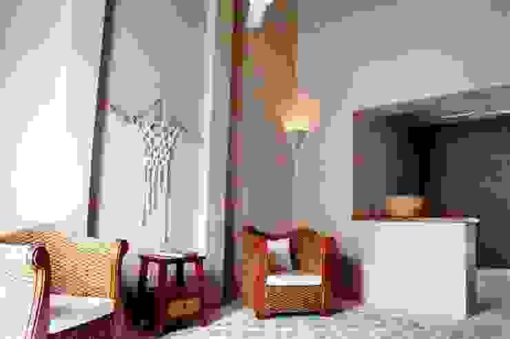 Casa del Aljibe Quinto Distrito Arquitectura Salones eclécticos Azulejos Azul